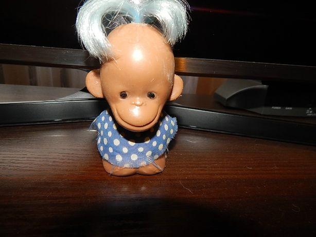Игрушка советская - обезьяна в голубом.