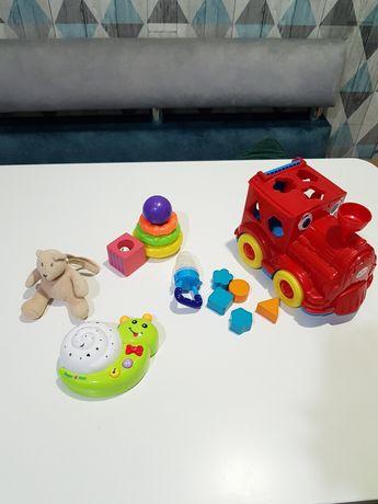 Лот игрушек проектор сортер Пирамидка кубик деревянный на коляску