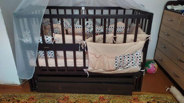 Ліжечко дитяче,матрас, постіль