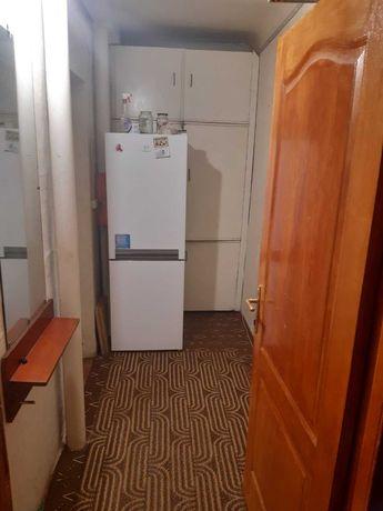 Срочно продам2 х комнатную гостинку
