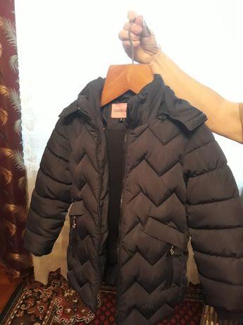 Продам куртку на мальчика 5-7 лет