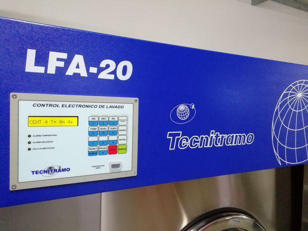 Máquina de lavar roupa industrial LFA 20 de ocasião 25kg