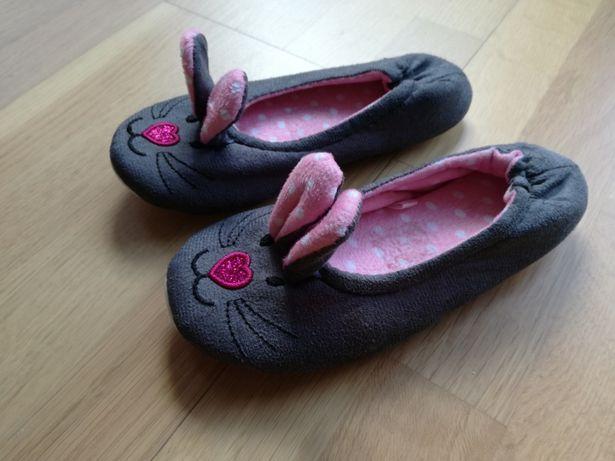 Papućki dziewczęce Myszki w rozmiarze 31