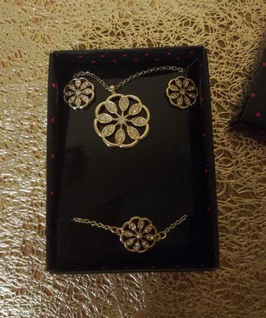 Komplet biżuterii: naszyjnik, bransoletka i kolczyki z ażurowym wzorem