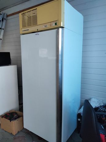 Холодильная камера Liebherr .зелень/колбасы