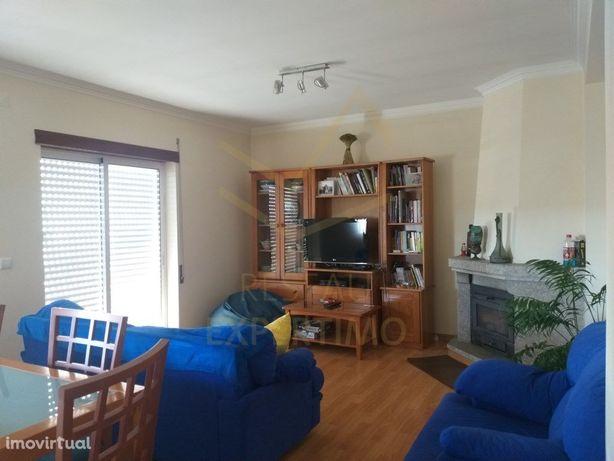 Apartamento Duplex T4 com Garagem