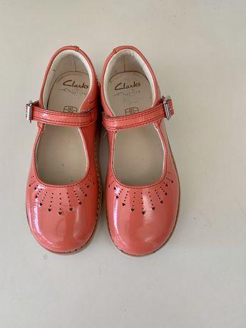 Pantofle Clarks 28