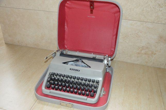 Maszyna do pisania FACIT. Szwedzka.
