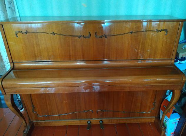 Германское пианино Ronisch
