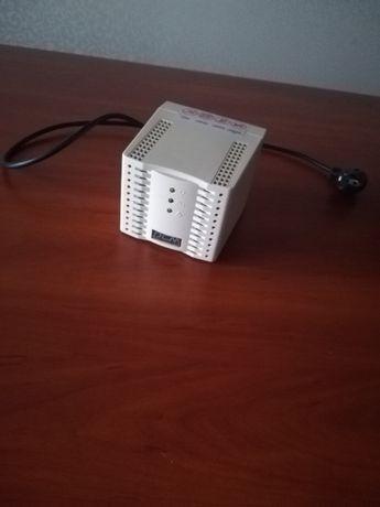 Продам Стабилизатор напряжения POWERCOM TCA-1200