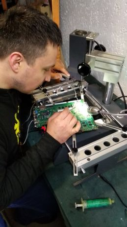 Ремонт материнской платы ноутбуков Ирпень, замена чипов