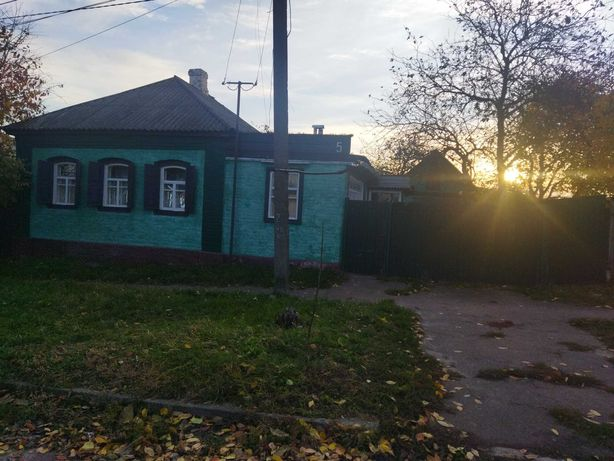 м Прилуки (до Киева 130км)Будинок окремийв хорошому місці вул 1 Козача