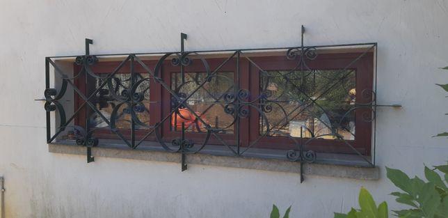 Grade exterior em ferro forjado