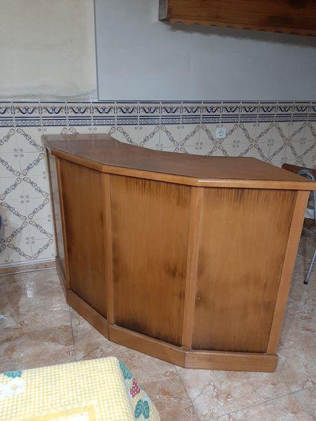 Balcão  de  bar Madeira