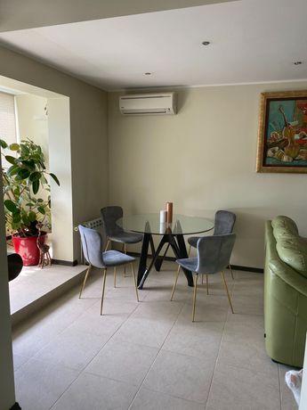 Продаж 3-х кімнатної квартири у Солом'янському районі( Караваєві дачі)