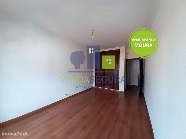 Apartamento T3 com lugar de garagem | Zona da Porta Nova | Moura