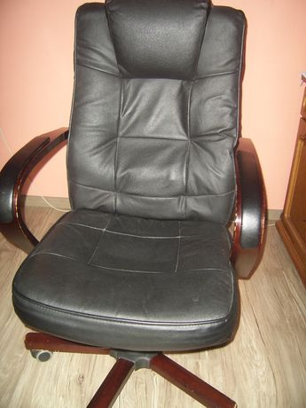 Fotel z masażem na pilota