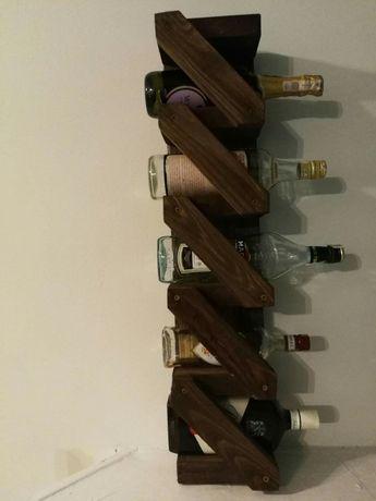 Półka, stojak na wino alkohol meble z palet Prezent