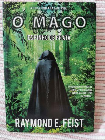 """Livro """"O Mago"""" - Raymond E. Feist"""