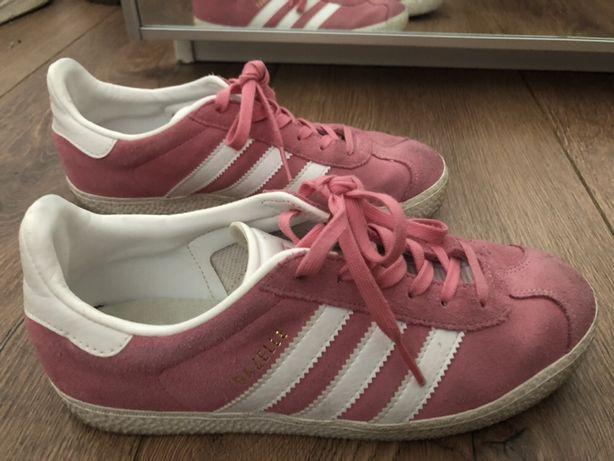 Ténis adidas gazelle rosa