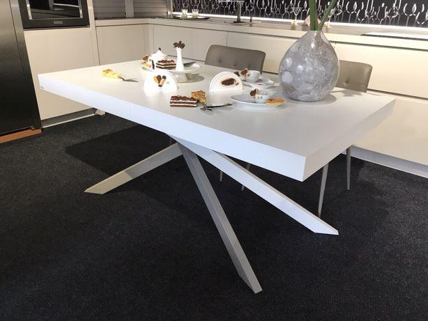 Продам с экспозиции обеденный стол Италия