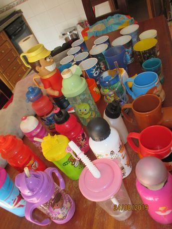 Copos garrafas canecas para criança