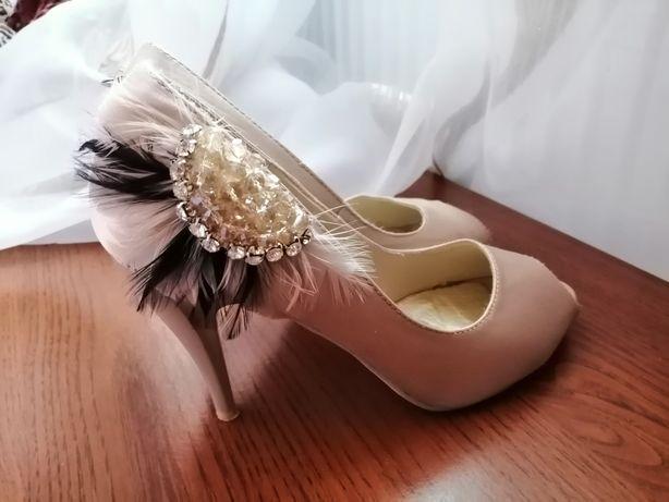 Жіночі туфлі на шпильці