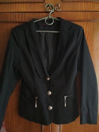 Школьный пиджак. На девочку