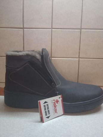 Продам зимние ботинки Rieker 44размер