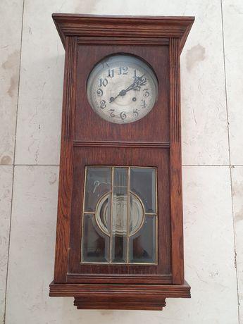 Stary zegar wiszący, antyk znanej firmy Kienzle