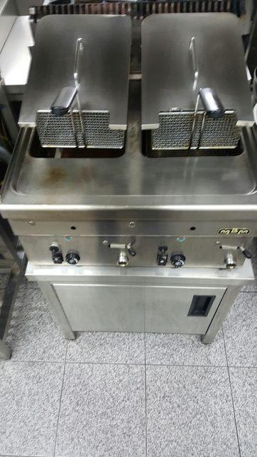 Fritadeira dupla com bancada apoio