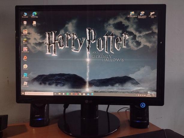 Komputer+monitor,LG 21cal,WIN 10,QUAD 2.4Ghz,Nvidia GTX 460,6GB RAM