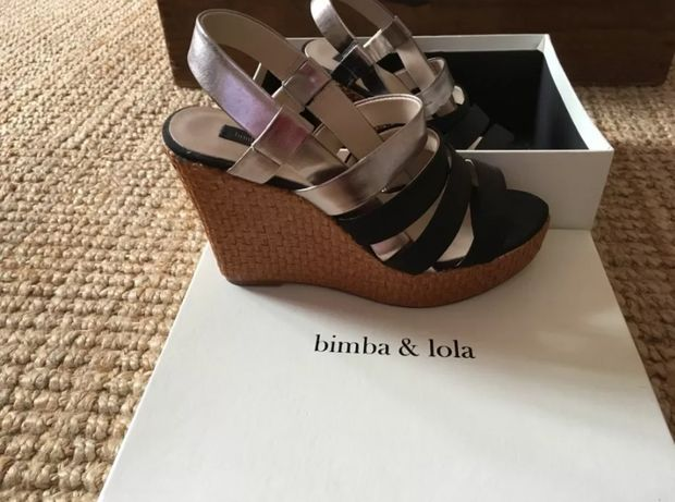Sandálias em cunha Bimba Y Lola