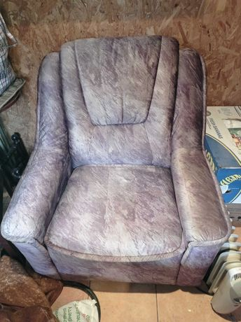 Кресло мягкое б/у