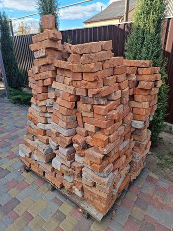 Кирпич красный бесплатно 500-600шт. на европоддоне