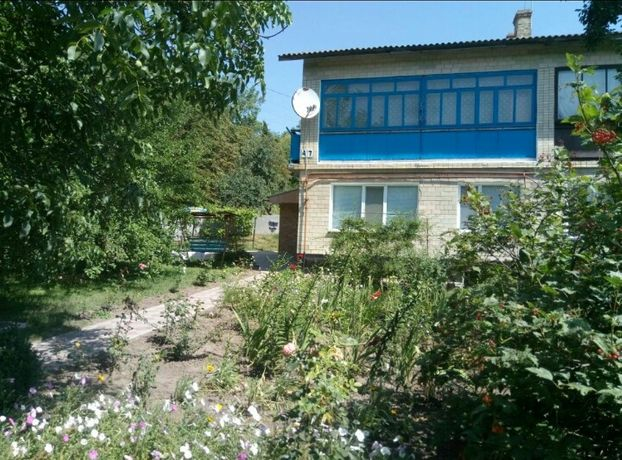 Продам половину 2-о поверхового будинку(с. Токарi, Полтавська обл)
