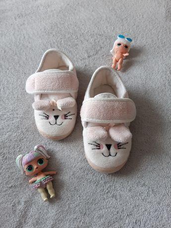 Тепленькие тапочки для сада , босоножки, кеды, кроссовки, ботинки