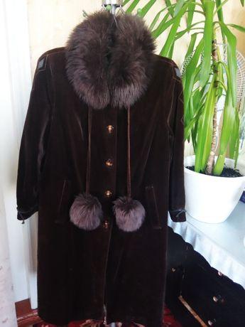 Зимнее женское пальто.Велюр.Натуральный мех.