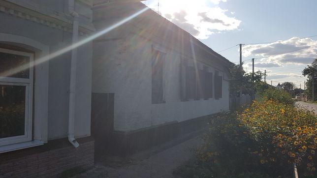 Продам 2 комнатную квартиру центр города площадь
