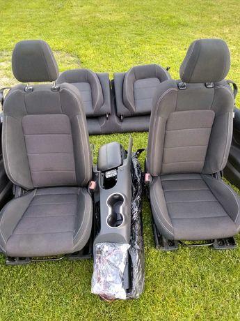 Fotele komplet Ford Mustang VI