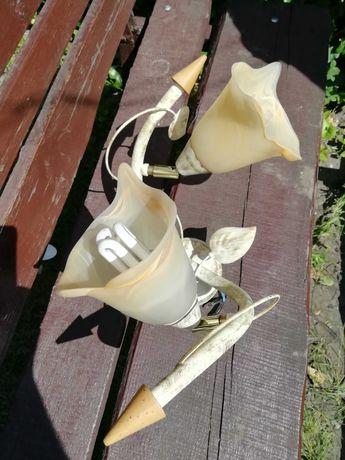 żyrandol i lampka