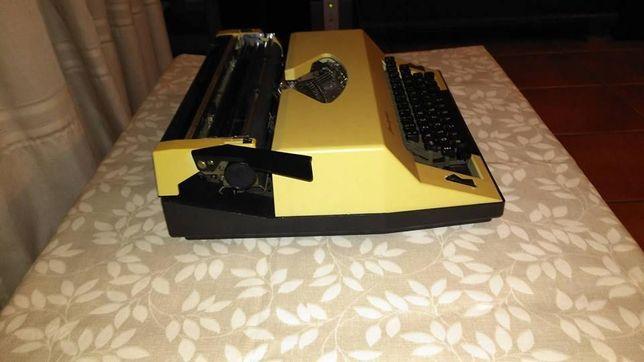 maquina de escrever Rover 7000