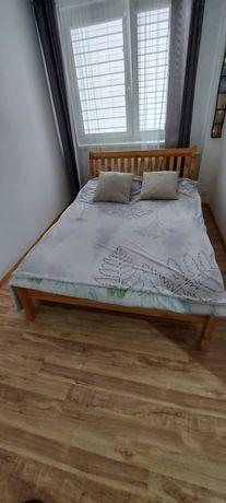 Łóżko do sypialni, rama drewniania