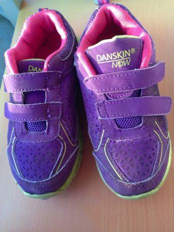 Фирменные светящиеся кроссовки Danskin Now (США) 17 см по стельке.