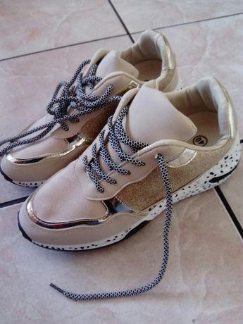 Nowe buty koturn panterka 39-40.