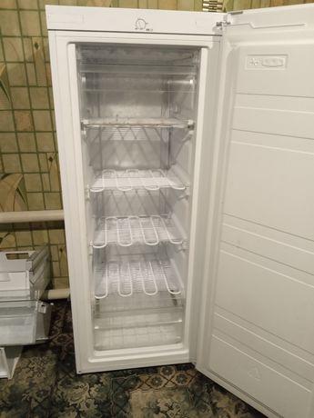 Продам морозильную камеру