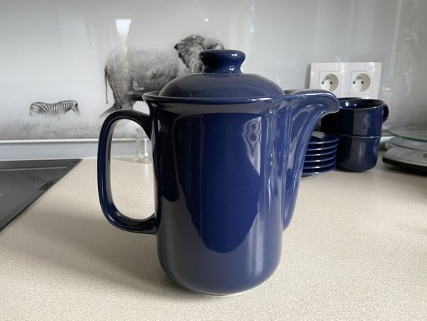 Serwis kawowy, komplet granatowych filiżanek