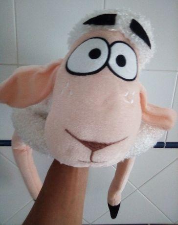 Gorro em forma de ovelha