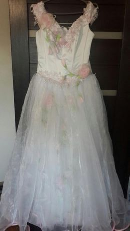"""Продам свадебное платье(Модель""""Роза в Тумане"""")цена 1500 руб."""