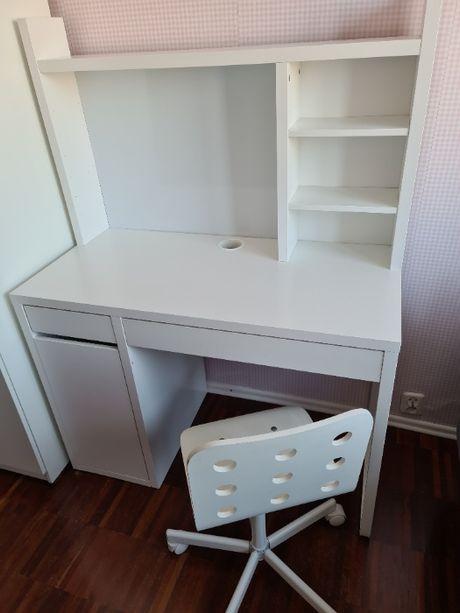 Biurko z nadstawką ikea krzesło
